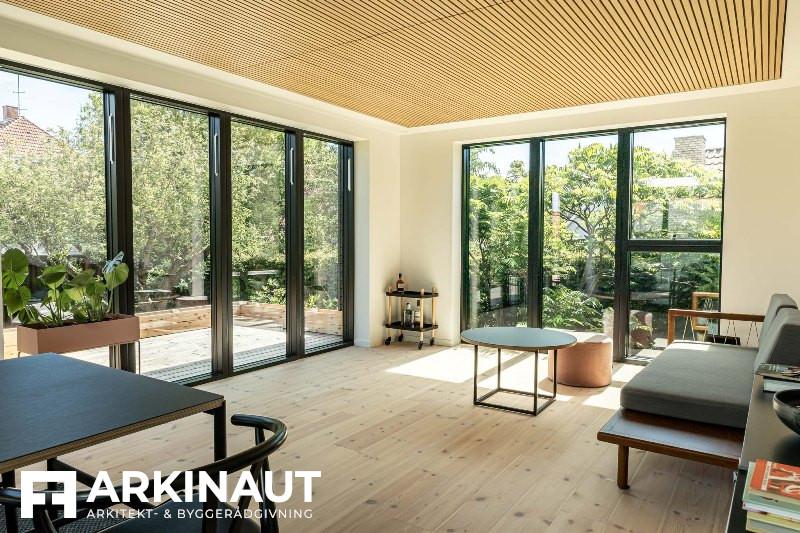 Tilbygning med sort træbeklædning - Arkinaut Arkitekt- og byggerådgivning ApS 10