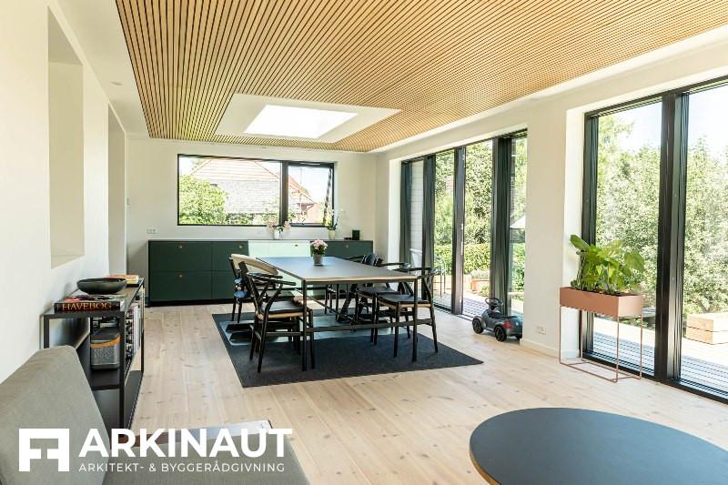 Tilbygning med sort træbeklædning - Arkinaut Arkitekt- og byggerådgivning ApS 9