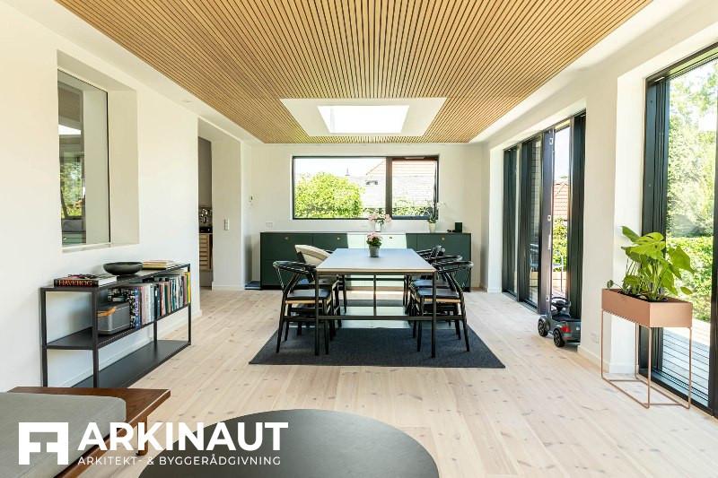 Tilbygning med sort træbeklædning - Arkinaut Arkitekt- og byggerådgivning ApS 8
