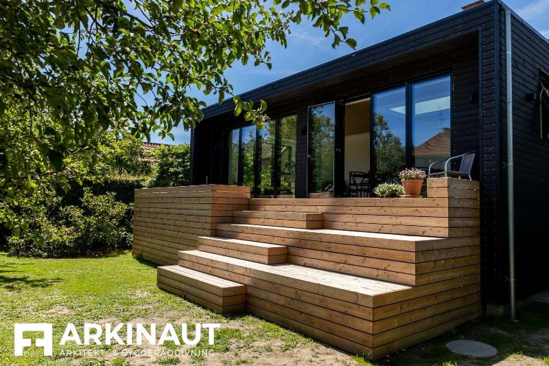 Tilbygning med sort træbeklædning - Arkinaut Arkitekt- og byggerådgivning ApS 4