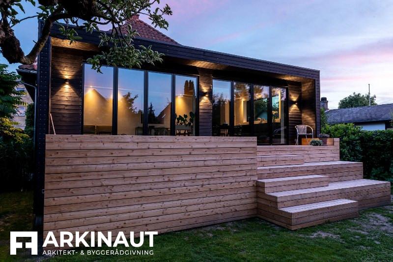 Tilbygning med sort træbeklædning - Arkinaut Arkitekt- og byggerådgivning ApS 3
