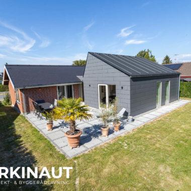 Tilbygning med asymmetrisk tag og ovenlys - Arkinaut Arkitekt- og byggerådgivning Aps 6