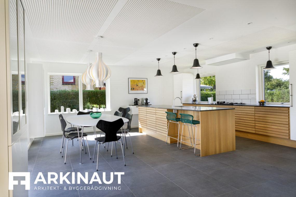 Tilbygning med asymmetrisk tag og ovenlys - Arkinaut Arkitekt- og byggerådgivning Aps 9