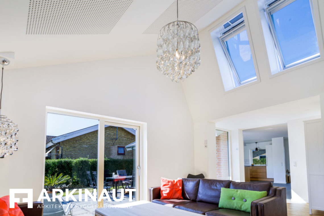 Tilbygning med asymmetrisk tag og ovenlys - Arkinaut Arkitekt- og byggerådgivning Aps 8